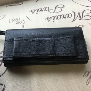 Black Kate Spade ♠️ bow clutch/wristlet/wallet